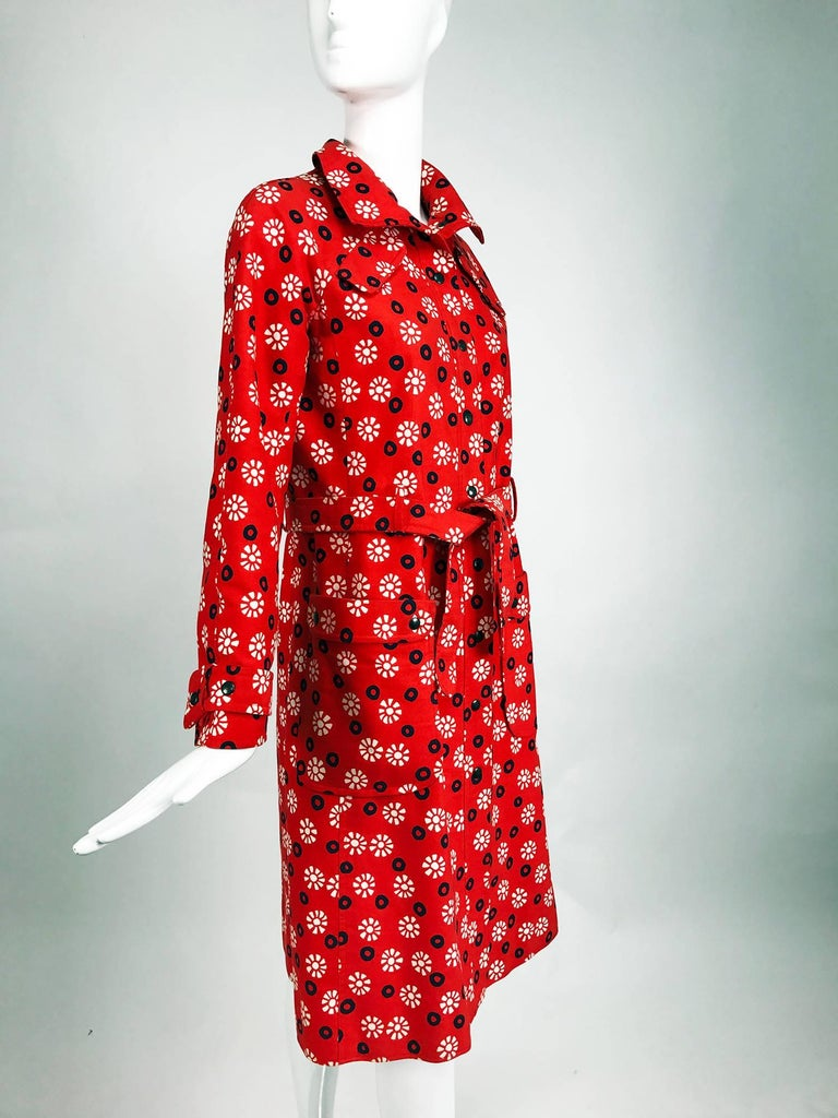 Vintage Emanuel Ungaro printed cotton canvas trench coat 1960s For Sale 3