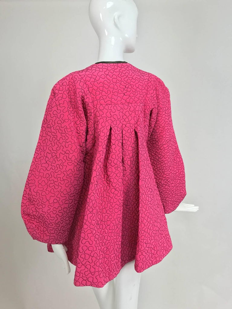 Zandra Rhodes 1980s hot pink squiggle quilted swing jacket  For Sale 2
