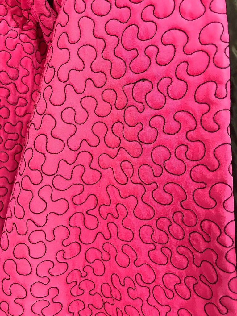 Zandra Rhodes 1980s hot pink squiggle quilted swing jacket  For Sale 4