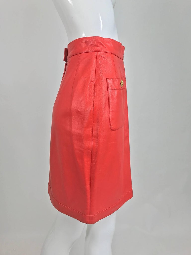 Chanel Vintage 1990s coral red leather skirt with pockets In Excellent Condition For Sale In West Palm Beach, FL