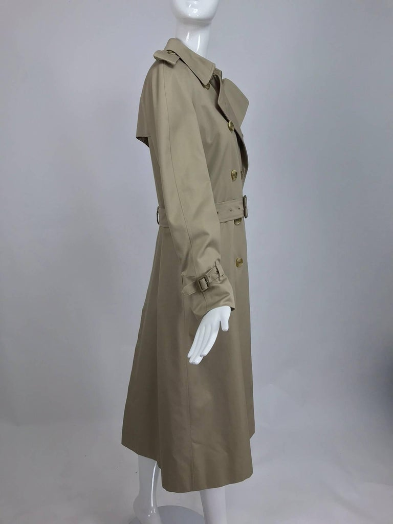 Gray Burberry classic trench coat with removable nova check lining For Sale
