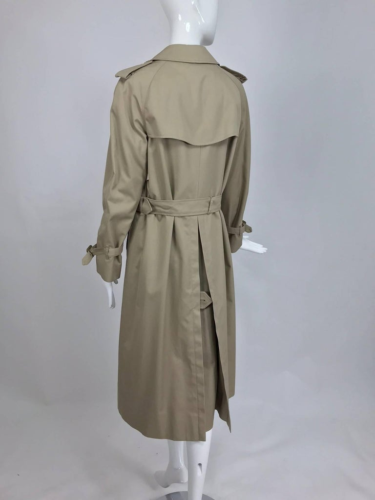 Women's Burberry classic trench coat with removable nova check lining For Sale