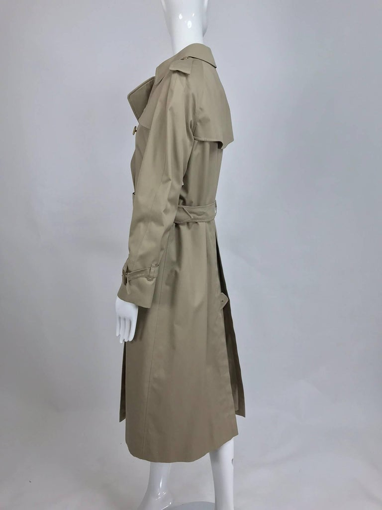 Burberry classic trench coat with removable nova check lining For Sale 1