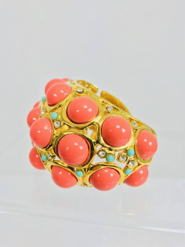 Kenneth J Lane faux coral turquoise rhinestone gold clamp cuffs bracelet In Excellent Condition For Sale In West Palm Beach, FL