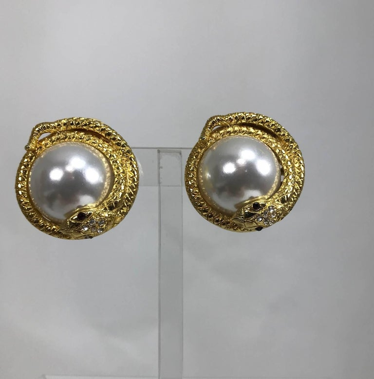 Kenneth Lane large jeweled snake with pearl earrings 3
