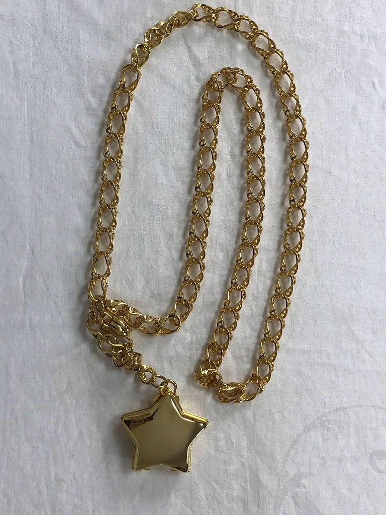Judith Leiber stars chain belt or necklace gold stars chain and locket rare 7