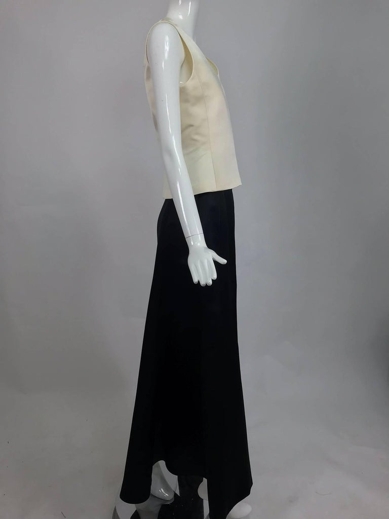 Black Vintage Bill Blass evening top and skirt set in cream and black silk satin 1980s For Sale