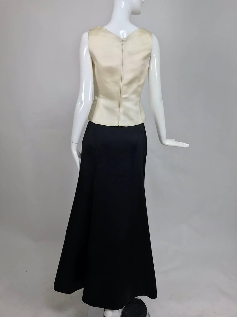 Women's Vintage Bill Blass evening top and skirt set in cream and black silk satin 1980s For Sale