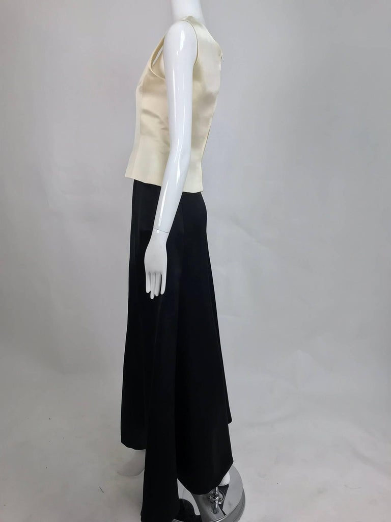 Vintage Bill Blass evening top and skirt set in cream and black silk satin 1980s For Sale 2