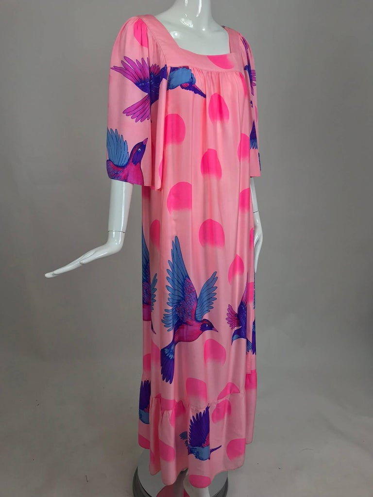 Vintage Hanae Mori blue birds on pink caftan 1970s 2