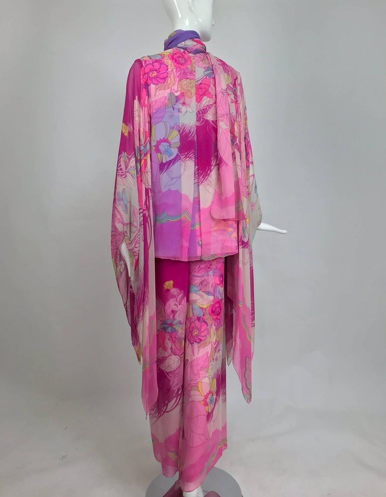 Women's Hanae Mori pink floral silk kimono evening set in The Mets Collection 1966-69 For Sale