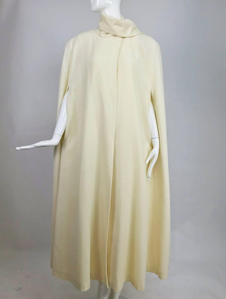 Winter white full length wool cape 1980s For Sale 4