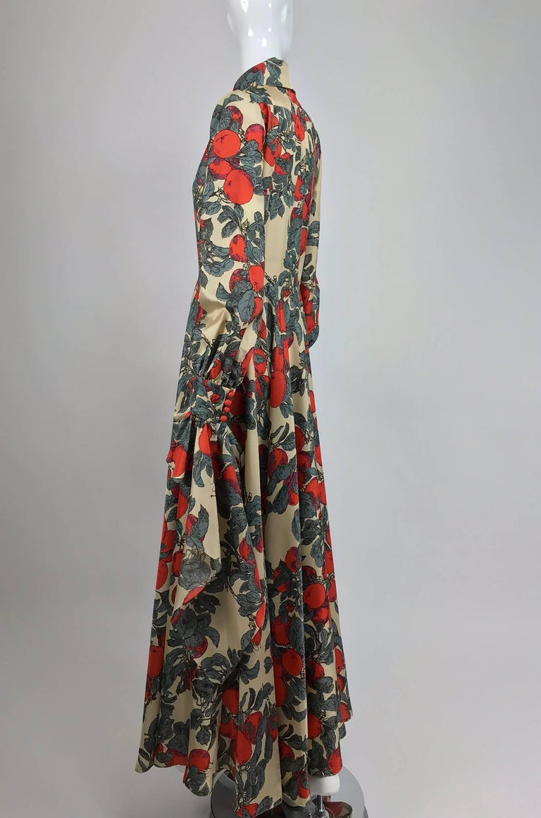 John Bates iconic apple print dress for Jean Varon  1970s In Excellent Condition For Sale In West Palm Beach, FL