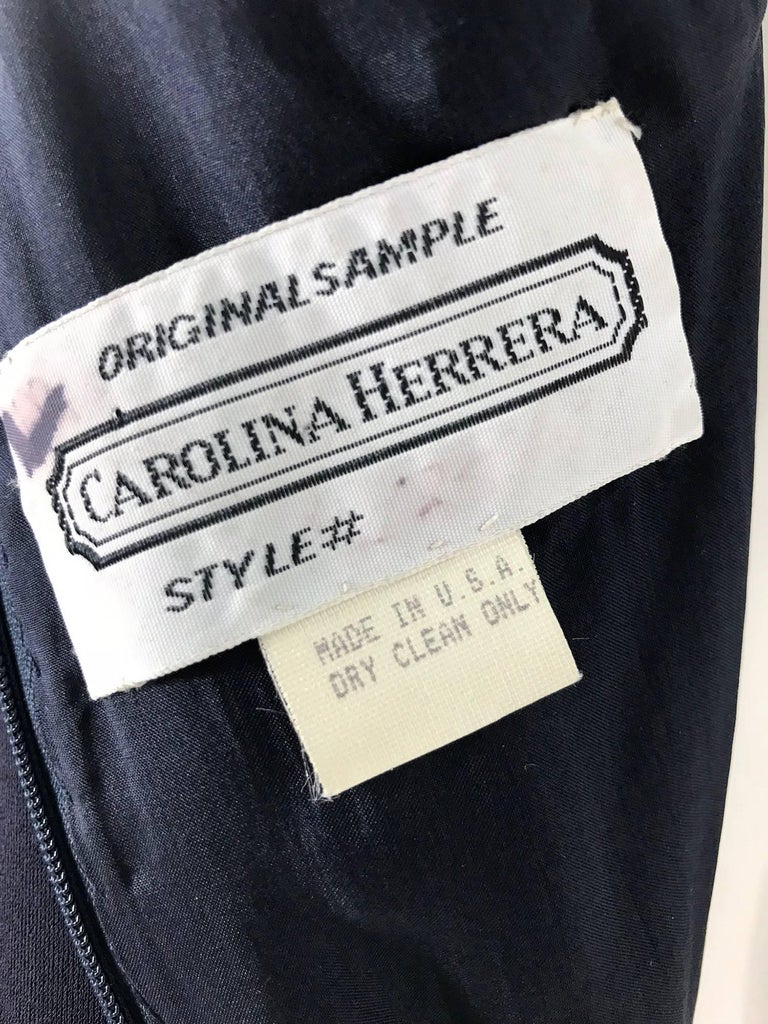 Carolina Herrera sample navy blue open back yellow matte jersey evening dress  For Sale 5