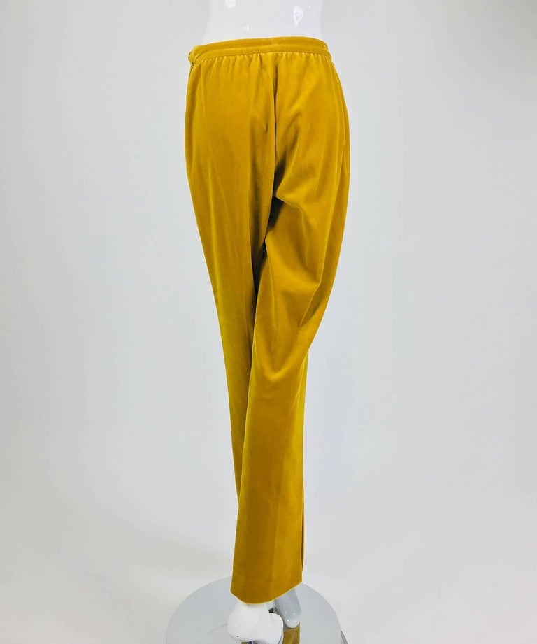 Chanel golden yellow velvet trousers with ankle buttons 1990s In Excellent Condition For Sale In West Palm Beach, FL
