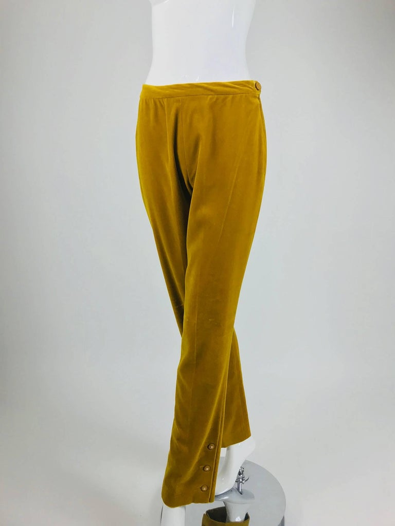 Chanel golden yellow velvet trousers with ankle buttons 1990s For Sale 3
