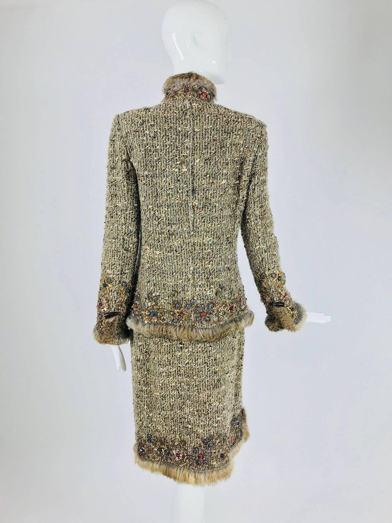 Oscar de la Renta jewel and fur trim soft tweed knit skirt set  In Excellent Condition For Sale In West Palm Beach, FL