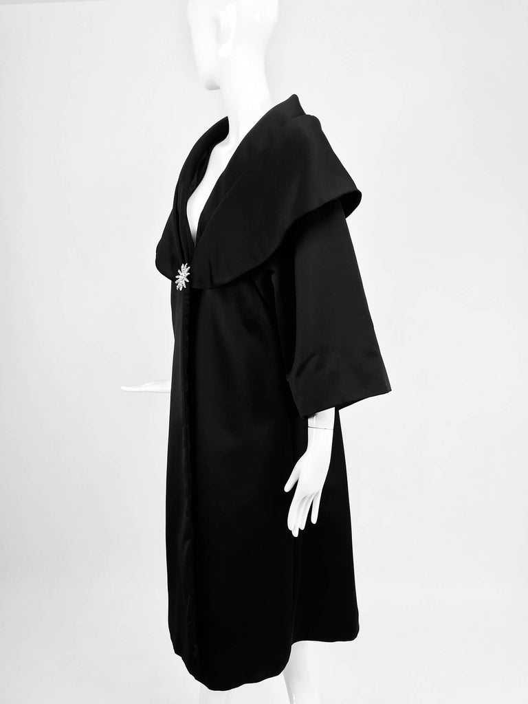 Carol Mignon Boutique Black Portrait collar jewel evening coat 1980s For Sale 3