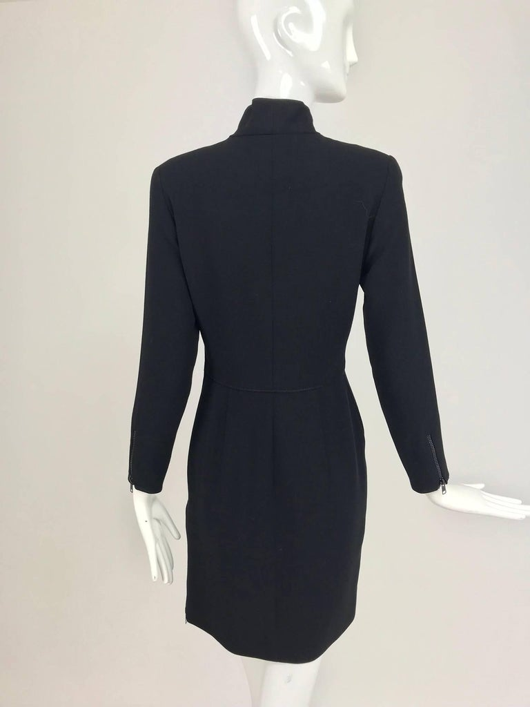 Valentino Vintage fitted black wool twill big zipper dress 1990s  In Excellent Condition For Sale In West Palm Beach, FL