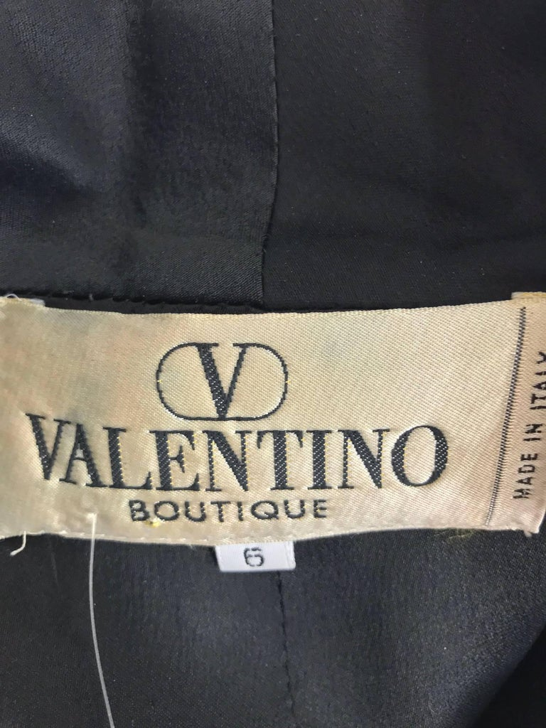 Valentino Vintage fitted black wool twill big zipper dress 1990s  For Sale 3