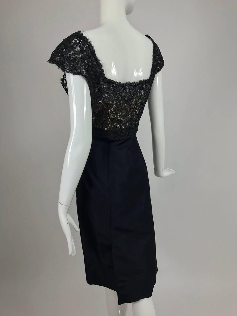 Vintage 1950s black silk and Guipure lace cocktail dress larger size For Sale 2