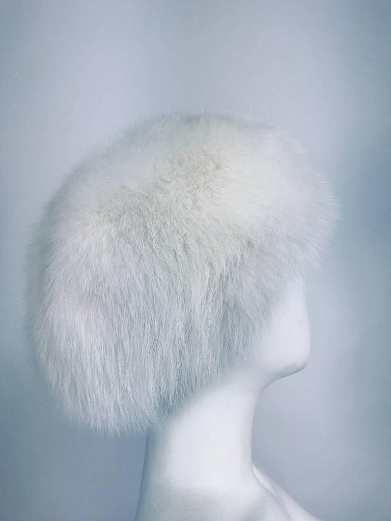 Gray White fox hat 1960s  For Sale