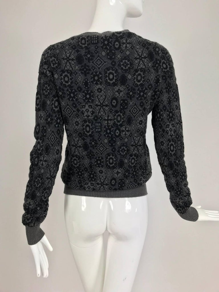 Women's Chanel grey cashmere pull on sweater  For Sale
