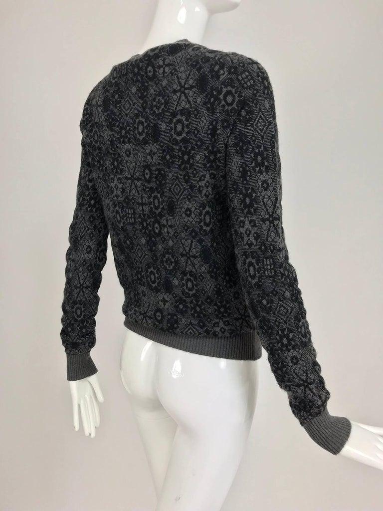 Chanel grey cashmere pull on sweater  For Sale 1
