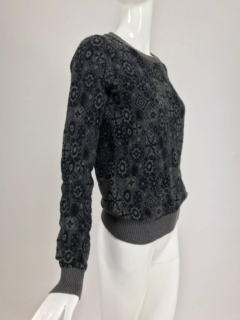 Chanel grey cashmere pull on sweater  For Sale 3