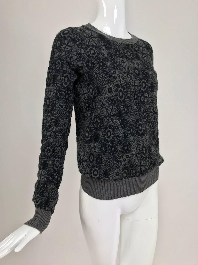 Chanel grey cashmere pull on sweater  For Sale 4