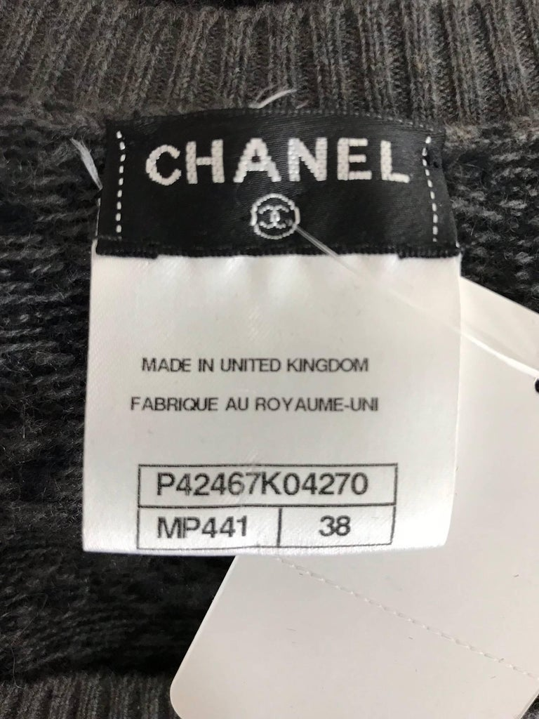 Chanel grey cashmere pull on sweater  For Sale 5