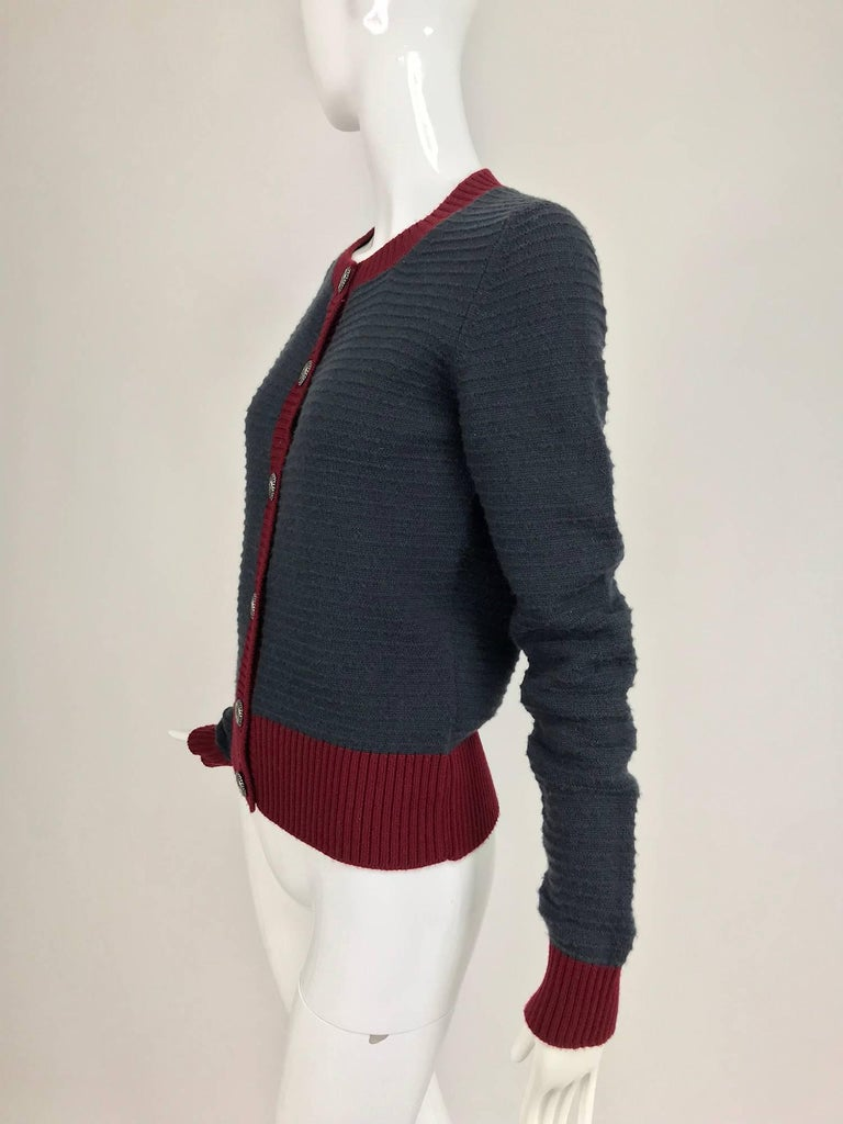Chanel grey and wine cashmere cardigan sweater For Sale 2
