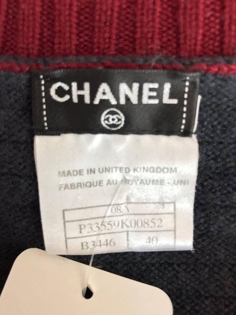 Chanel grey and wine cashmere cardigan sweater For Sale 3