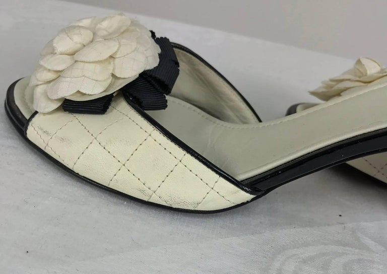 Chanel quilted mules patent heels and Camellia flowers 38 1/2 For Sale 3