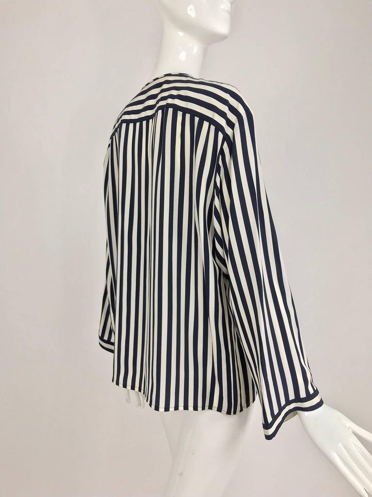 Valentino Navy blue and white stripe silk blouse For Sale 4