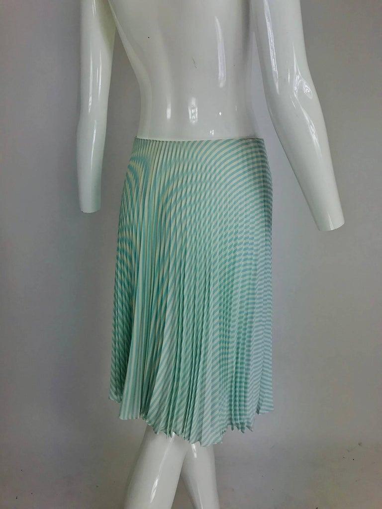 Women's Oscar de la Renta aqua and white knife pleated silk crepe skirt For Sale