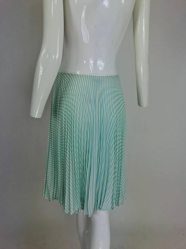 Oscar de la Renta aqua and white knife pleated silk crepe skirt For Sale 2