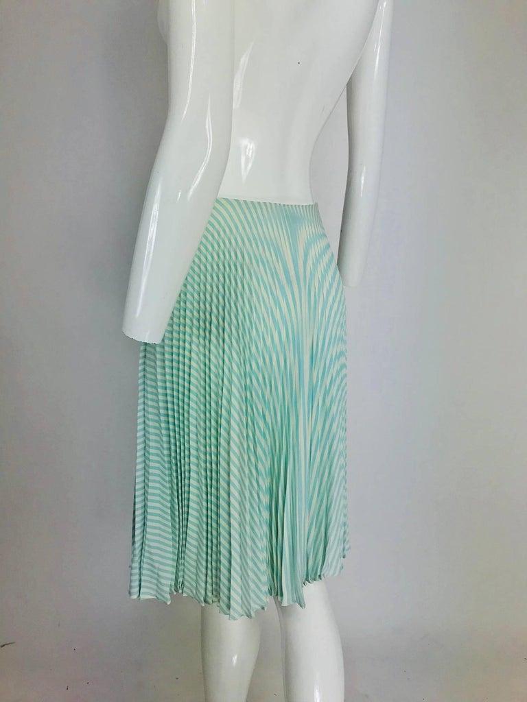 Oscar de la Renta aqua and white knife pleated silk crepe skirt For Sale 3