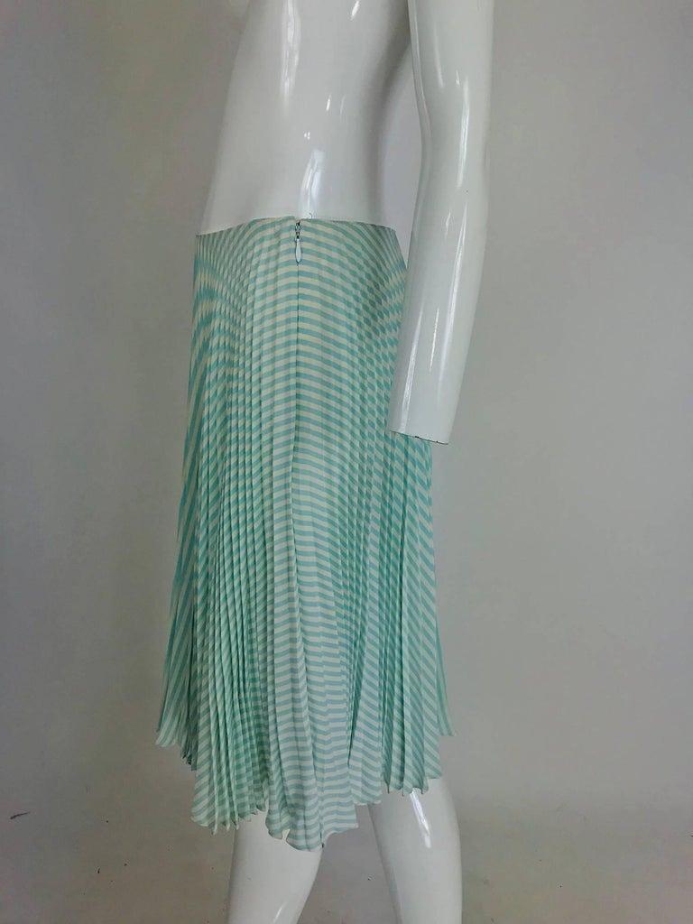 Oscar de la Renta aqua and white knife pleated silk crepe skirt For Sale 4