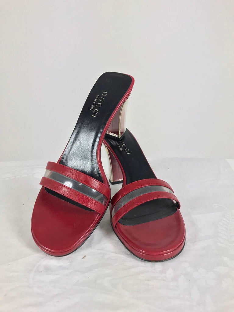 Gucci wine red leather Lucite heel mules 9B Unworn In New Condition For Sale In West Palm Beach, FL