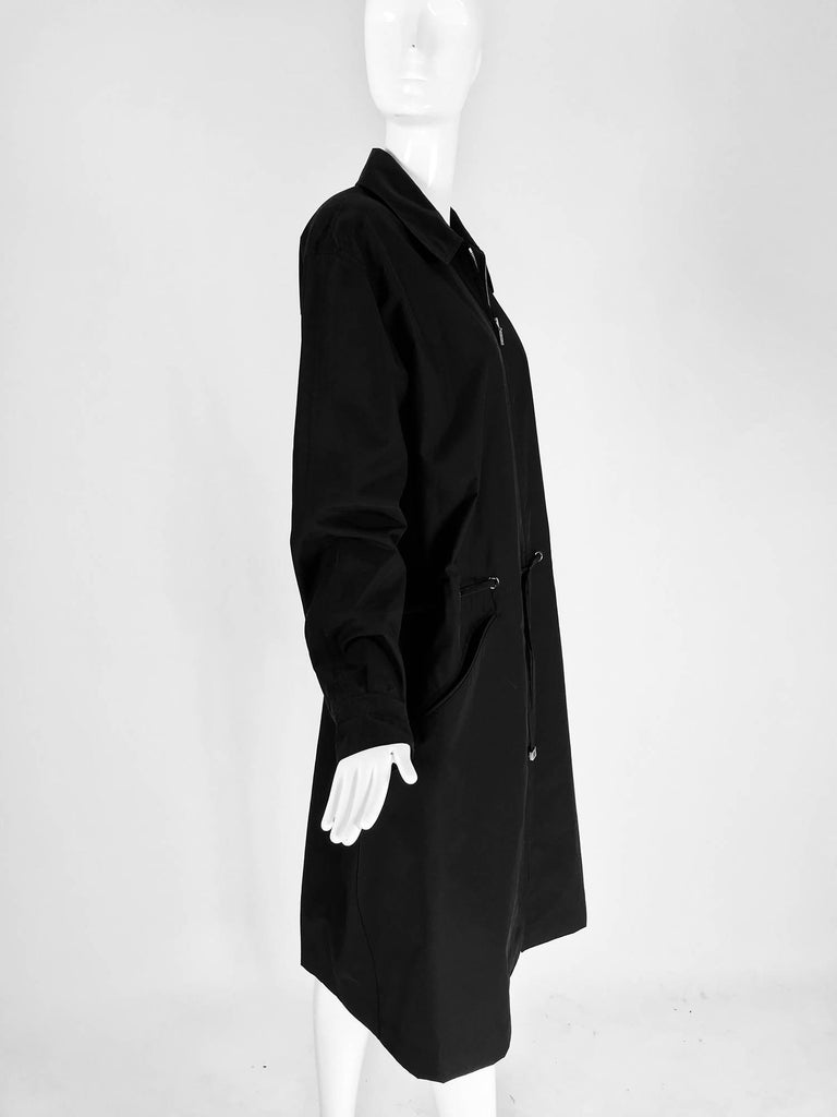 Chanel black zip front draw cord waist rain coat 1998P In Excellent Condition For Sale In West Palm Beach, FL