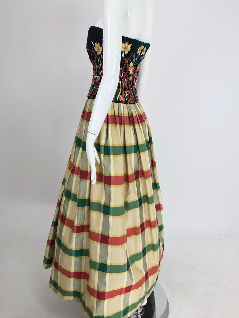 Victoria Royal embroidered velvet and silk taffeta strapless gown 1990s For Sale 1