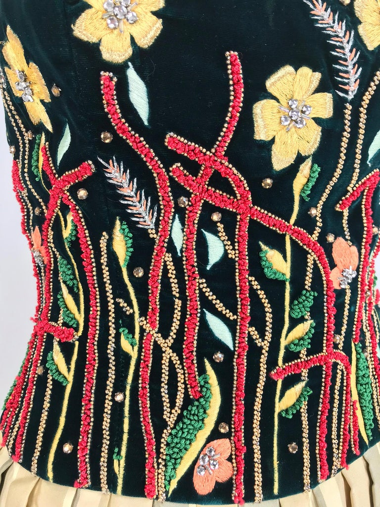 Victoria Royal embroidered velvet and silk taffeta strapless gown 1990s For Sale 4