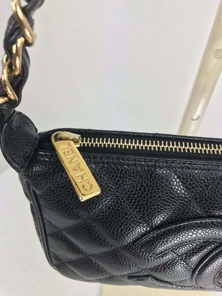 Chanel black caviar leather shoulder bag 2004 In Excellent Condition For Sale In West Palm Beach, FL