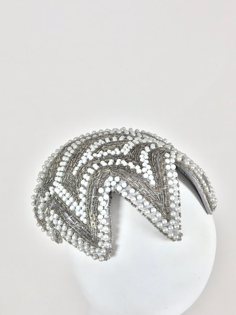 Designed by Lora silver beads and pearl cocktail hat 1950s In Excellent Condition For Sale In West Palm Beach, FL