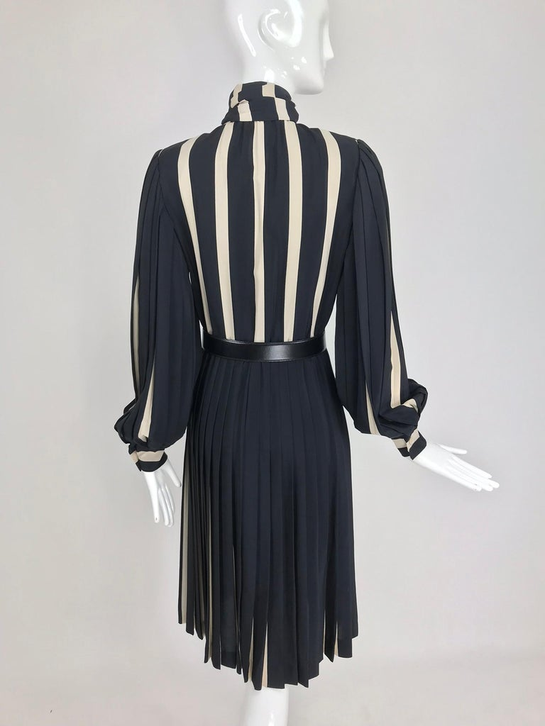 Bill Blass pleated silk black and tan stripe dress 1970s For Sale 2
