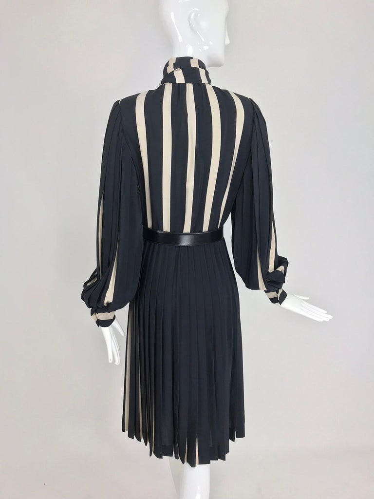 Bill Blass pleated silk black and tan stripe dress 1970s For Sale 3