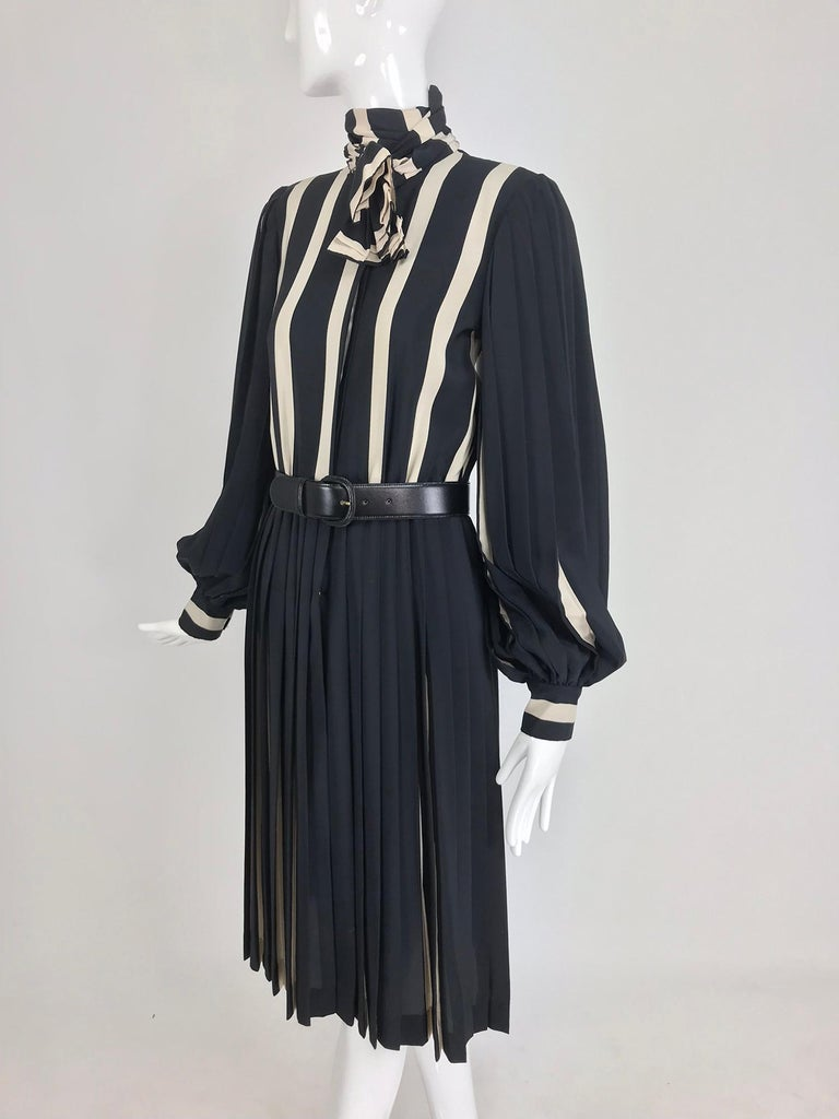 Bill Blass pleated silk black and tan stripe dress 1970s For Sale 7