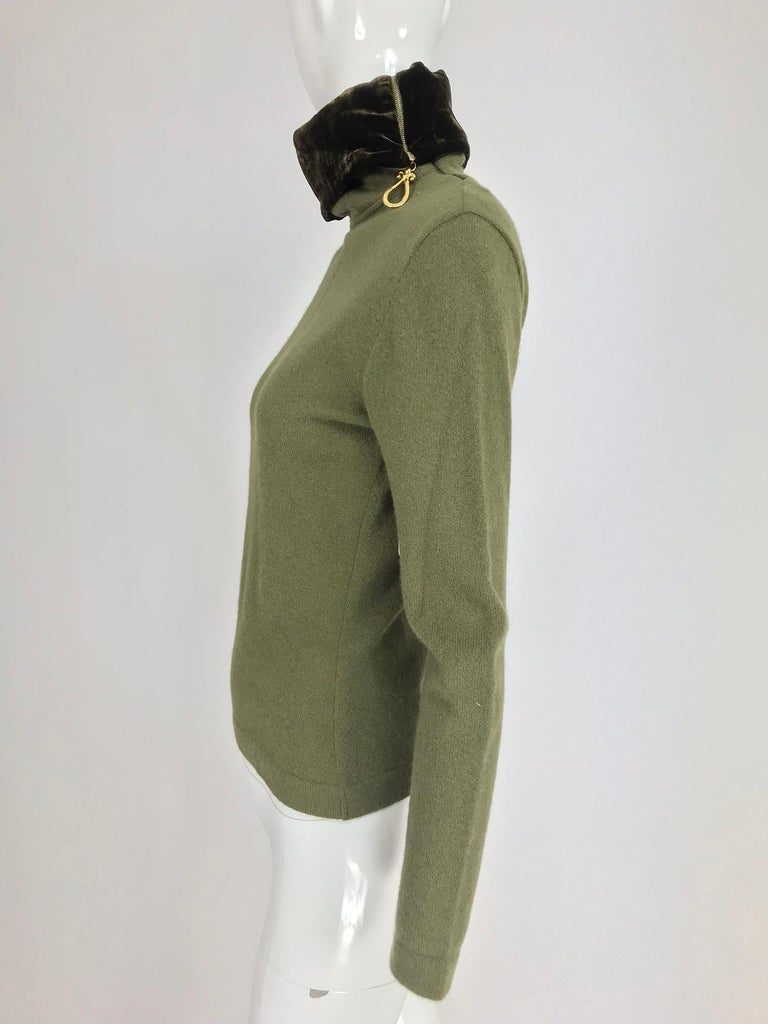 Gianfranco Ferre Olive Velvet and Fur Trimmed quilted jacket and sweater 1990s For Sale 9