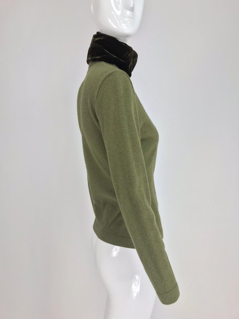 Gianfranco Ferre Olive Velvet and Fur Trimmed quilted jacket and sweater 1990s For Sale 12